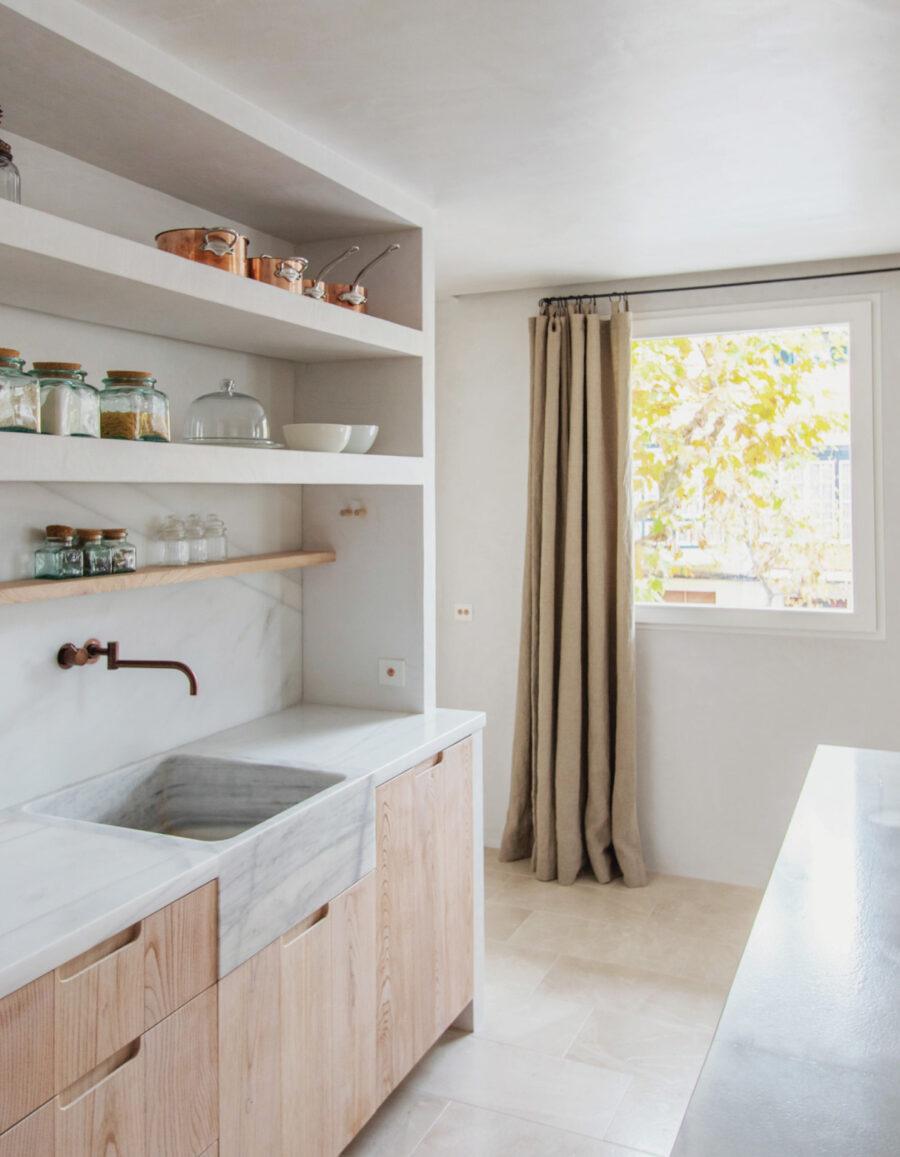 casa minimalista vivenda salas a través andrea + joan venustas